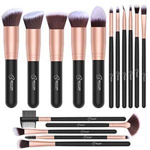 Selección de brochas maquillaje madera rostro cosméticos para comprar – Los preferidos por los clientes