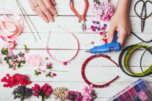 Recopilación de cintas de flores para el pelo para comprar Online