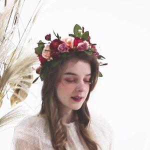 Selección de diademas de flores de moda para comprar On-line – Los Treinta preferidos