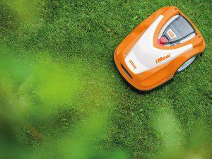Selección de cortar hierba alta con cortacesped para comprar