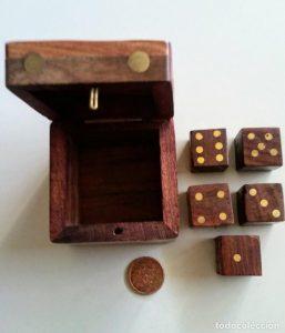Catálogo de dados de madera para comprar online