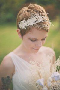 Lista de flores para el pelo de novia para comprar por Internet