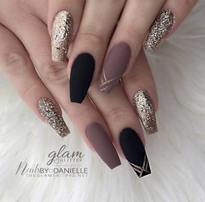La mejor selección de fotos de uñas bonitas para comprar Online