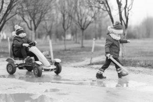 Listado de niños jugando blanco y negro para comprar por Internet – Los 30 más vendidos