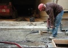 Ya puedes comprar en Internet los obrero con martillo electrico