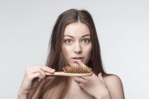 Listado de causas de caida de pelo en mujeres jovenes para comprar online