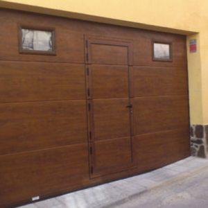 Selección de puertas marrones para comprar online